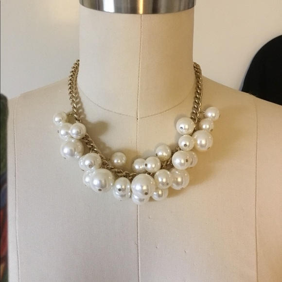 Forever 21 Jewelry - Forever 21 Statement Necklace